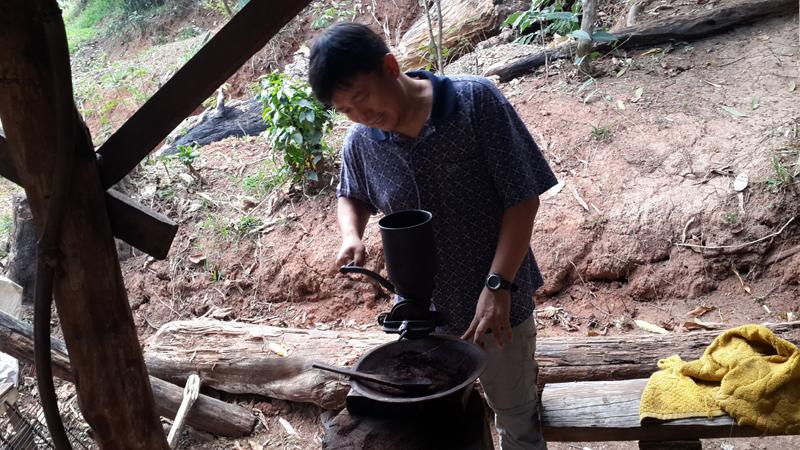 쏨싹_커피농장1.jpg