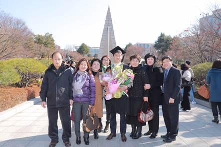 탈북자 졸업식 사진(기사용).jpg