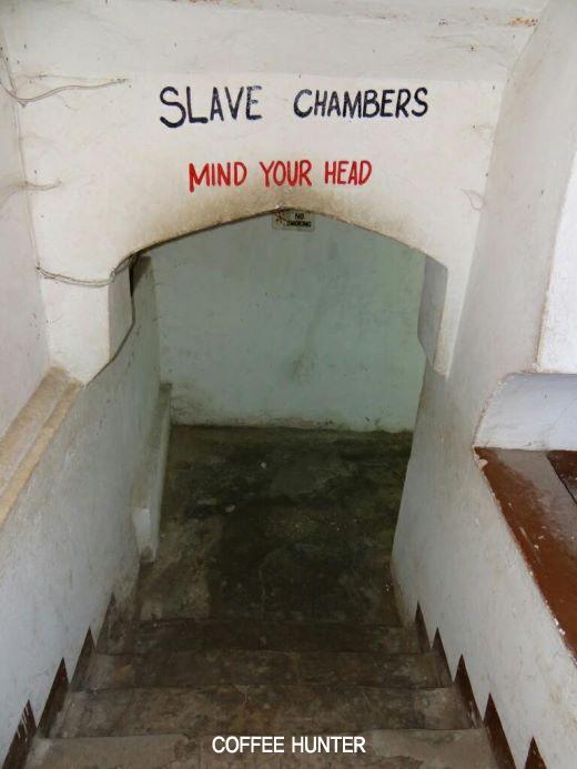노예무역 전시장 입구.jpg